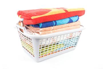 Kunststoffkorb mit Tüchern
