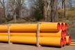 Gestapelte grosse PE-Rohre für neue Gasleitungen aus Kunststoff