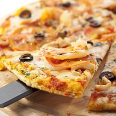 Seafood Pizza