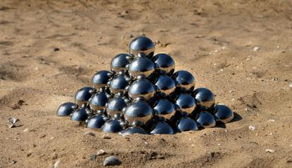 pyramid of the mirror balls