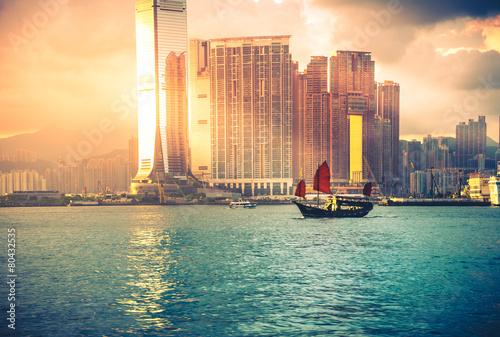 Travelling Hong Kong by junk boat - 80432535