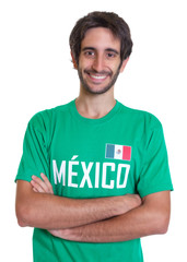 Fröhicher Mexiko-Fan mit Bart