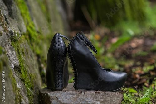 Leinwandbild Motiv Gothic bride shoes