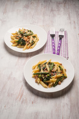 pasta with chickpeas asparagus and spinach