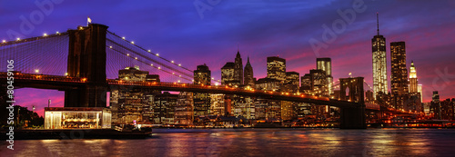 Poster Stad gebouw Brooklyn Bridge and Manhattan at sunset