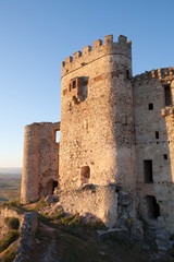 Castle in ruins located in the north of Cáceres