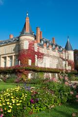 château de Rambouillet et son jardin fleuri