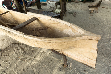 carved garifuna boat in Honduras