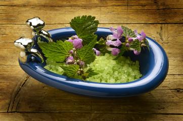 Bath salts Badesalz Badsalt Sales de baño Sali da bagno 浴鹽