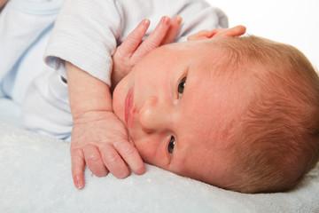 neonato che si riposa