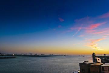 Sonnnenuntergang im Hafen von Rotterdam