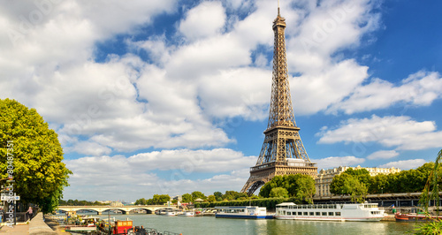The Eiffel tower in Paris - 80487351