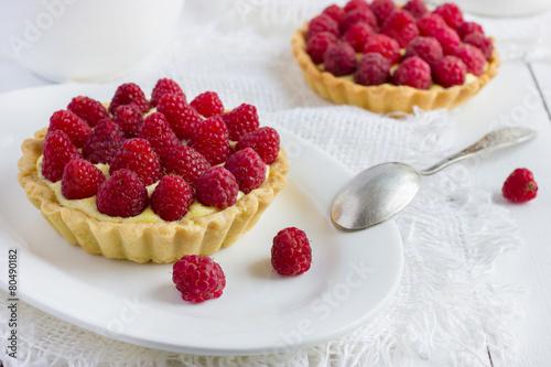 Poster tart with fresh raspberries