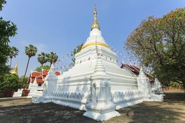 pagoda at Prakaew dontao temple