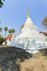 Prakaew dontao Suchadaram temple
