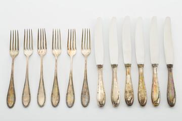 Altes Silberbesteck, Reihe, Gabel, Messer