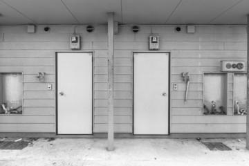 廃屋 アパート Door of the deserted house