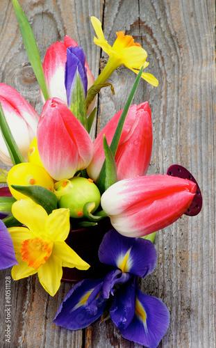 Staande foto Iris Easter Theme