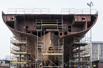 Building ship in a shipyard
