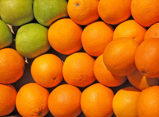 Oranges and green apples