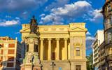 Statue of Maria Cristina in front of the Museo del Prado - Madri