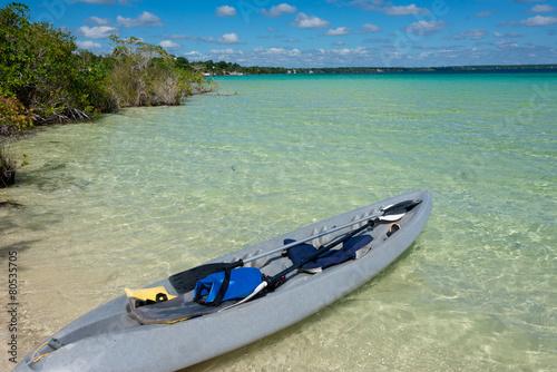 Papiers peints Mexique Beautiful Adventure at tranquil Bacalar lake. Riviera Maya, Mexi