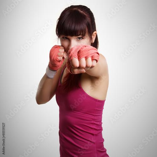 fototapeta na ścianę Frau beim Boxtraining