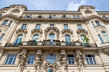 Österreich, Wien, Jugendstilhäuser am Naschmarkt