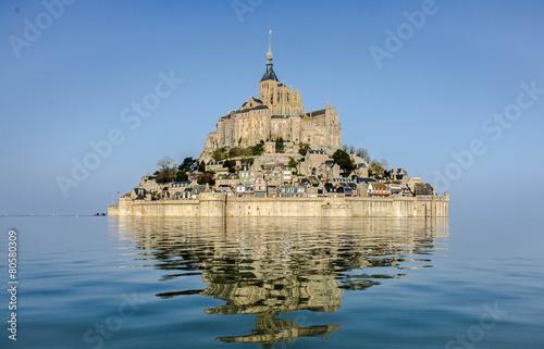 Leinwanddruck Bild le mont saint michel à marée haute