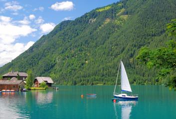 am beliebten Weissensee in der Kärntener Seenregion