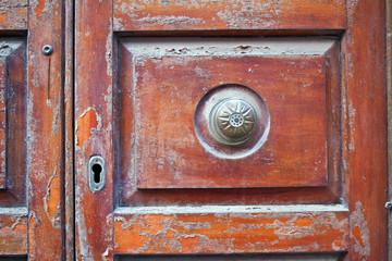 vecchia porta chiusa