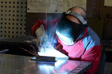 Schweißer im Stahlbau // welding operator
