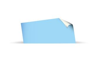 Papierblatt in blau, eingesteckt,