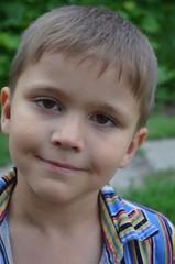 Мальчик 6 лет на природе