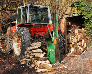 Tractor with log spliiter attachment