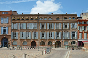 Small Toulouse Houses