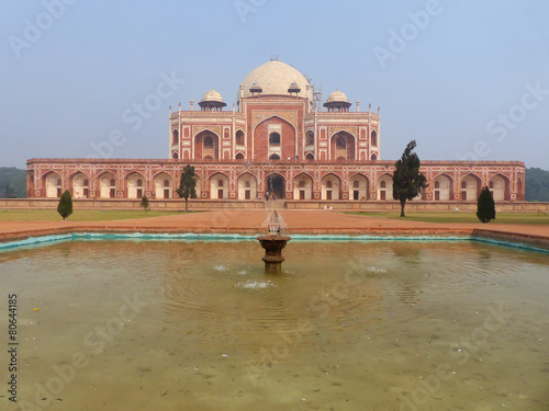 Staande foto Delhi Humayun's Tomb with water pool in front of it, Delhi, India