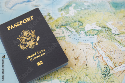 Leinwanddruck Bild US Passport on the world map
