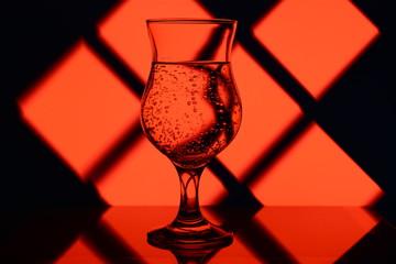 красный бокал