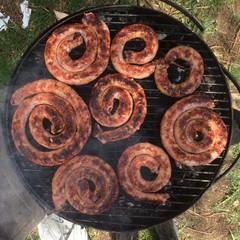 Rotoli di Salsiccia Arrostita sul Barbecue