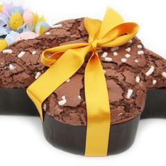 colomba al cioccolato con decorazione_ dolce di pasqua