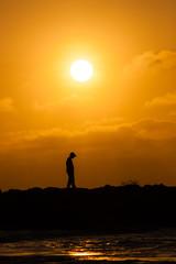 Pensativo bajo el sol
