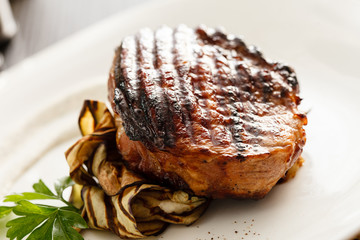 steak with grilled aubergines