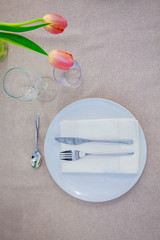 simple meal table setting,