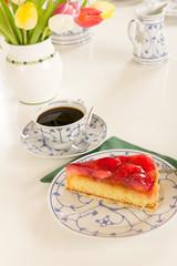 Kaffee und Kuchen - Hochformat