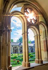 Trier Dom Kreuzgang Arkaden – Fenster mit Maßwerk