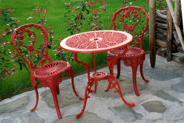 garden table red with matching chairs