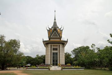 キリングフィールドの慰霊塔