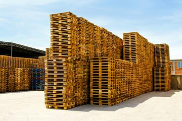Logistic pallets