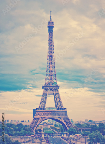 Paris, the beautiful Eiffel Tower. - 80709718